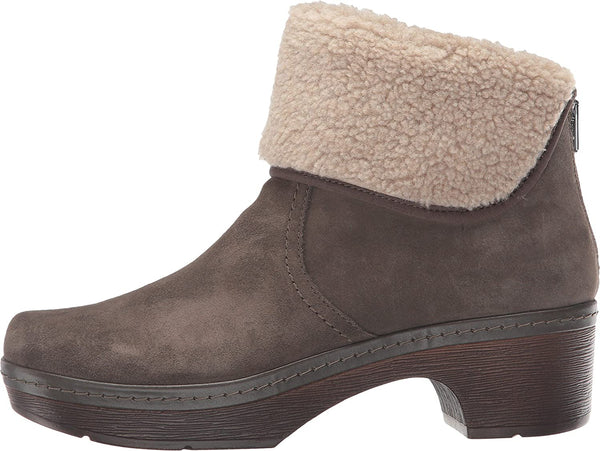 CLARKS Preslet Pierce Booties