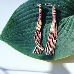 CONTOUR TASSEL EARRINGS (DUSKY CLAY)