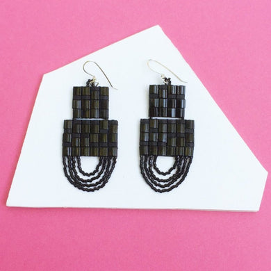 SAUNTER EARRINGS (BLACK)