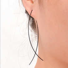 Load image into Gallery viewer, Wonderlust Earrings | Black