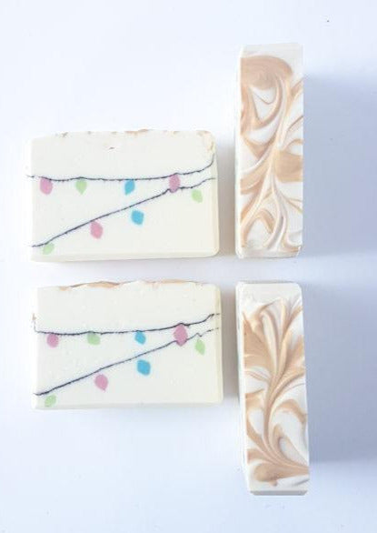 Liola Luxuries Salt Bar | Holiday Feelin' Pine Soap