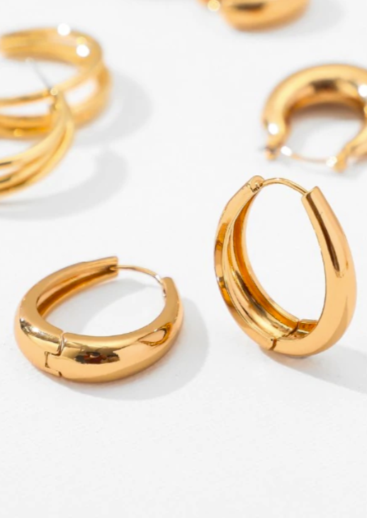 Bella Oval Snap Hoops | Gold