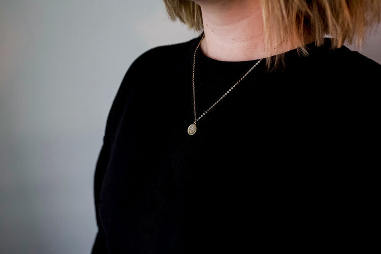 Elizabeth.Lyn Initial Necklaces | Gold