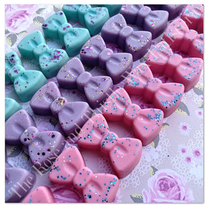 Frosted Sugar Blooms Soy Wax Melt Bow Trio