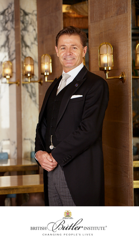 Gary Williams, Director del British Butler Institute a nivel mundial.