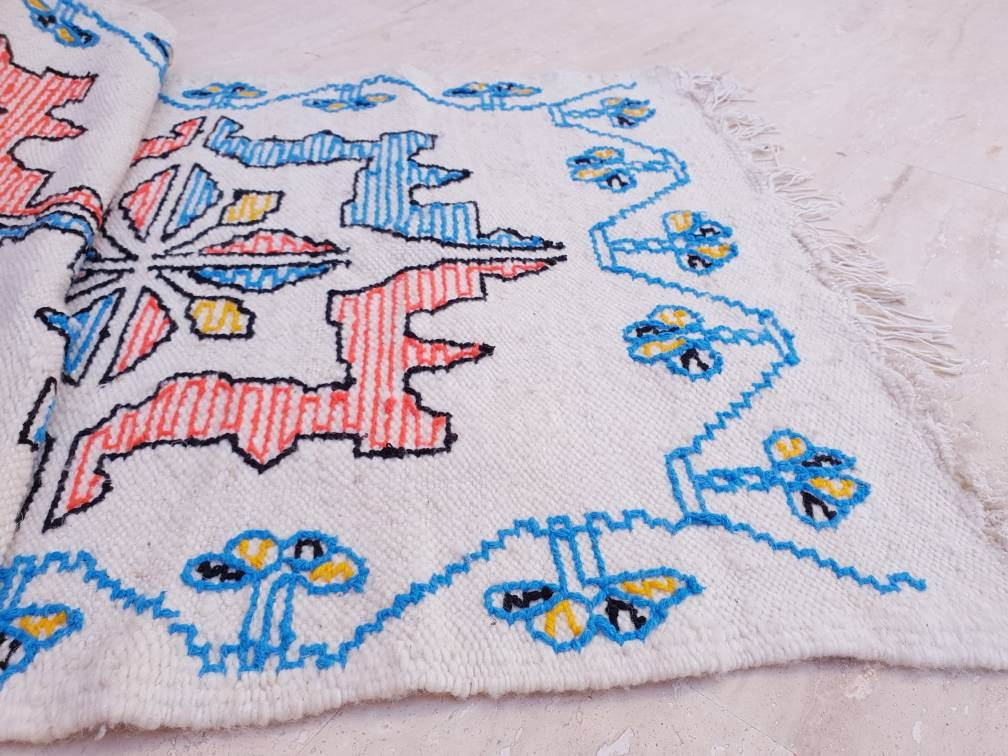Unique Moroccan rug - Soft Embroidery Style Woven Throw, Berber Rug bedroom rug hallway rug living room rug bedside rug accent rug boho rug
