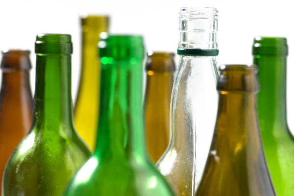 glass vs plastic bottles is glass bad for the environment and plastic effect on the environment green clear amber brown empty glass bottles
