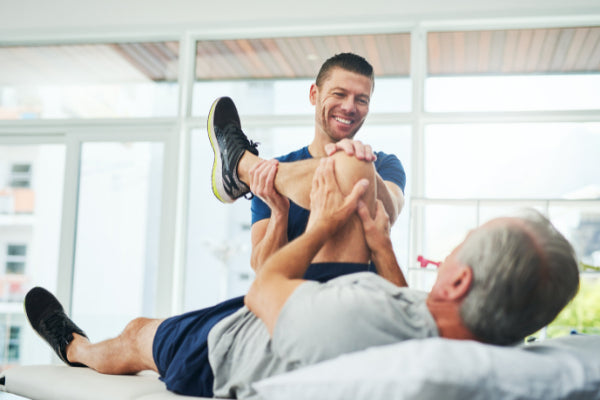 range of motion exercises for the shoulder knee more man at physical therapy doing stretches for knee