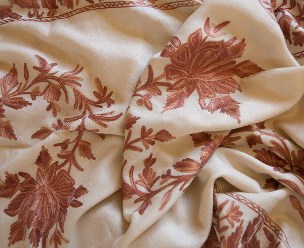 Light beige shawl embroidered with cinnamon and tan