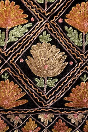 Kashmiri shawl with Indian crewel embroidery