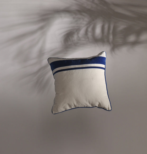 White Right Stripe Cushion - DaOneHomes