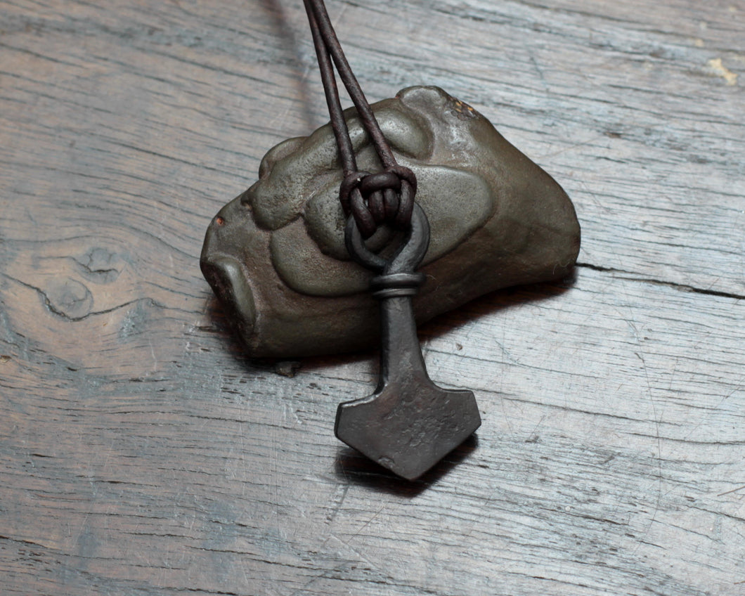 Small flat looped iron Thor's hammer pendant by Taitaya Forge