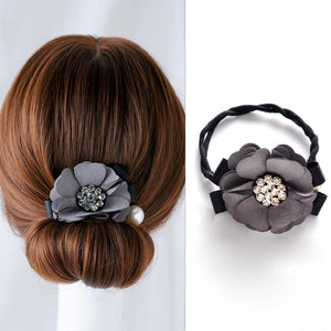 Top Knot Rhinestone Hair Flower Artifact