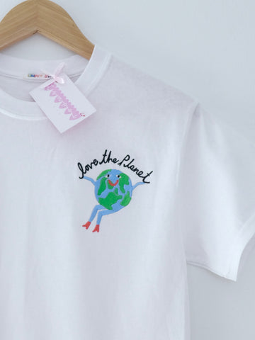 Limpet Store T Shirt - Love The Planet - White
