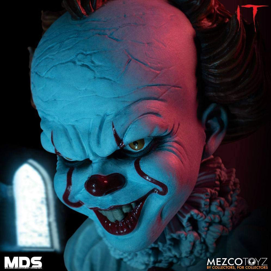 Mezco Designer Series Deluxe IT: Pennywise Figure