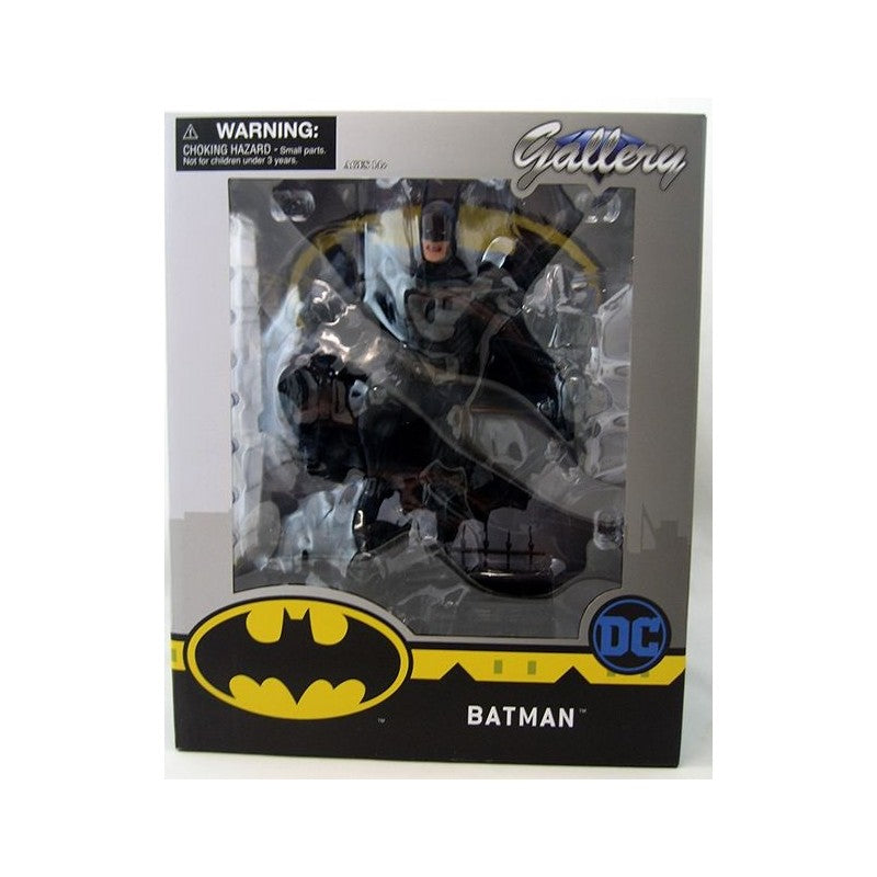 DIAMOND SELECT TOYS DC Gallery: Batman PVC Figure