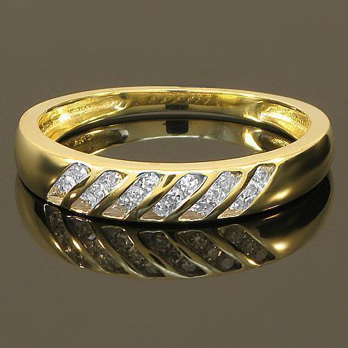 Diamond Engagement Ring Set in 10K Yellow Solid Gold 0.55 Ctw