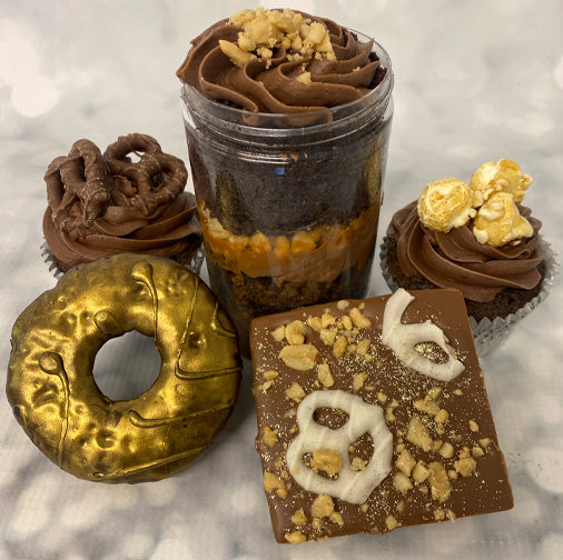 Pretzel & Peanuts Treat Box