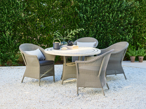 Romantic outdoor dining set from Cane-line