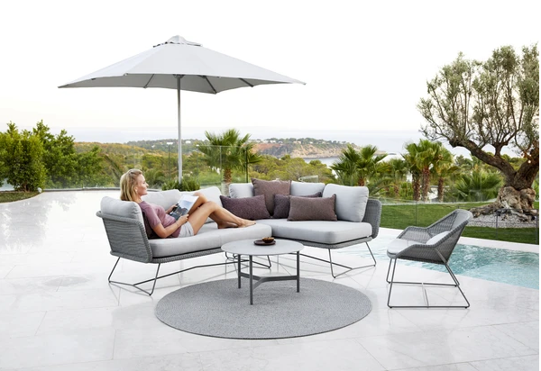 Exclusive sofa module with side table and outdoor carpet