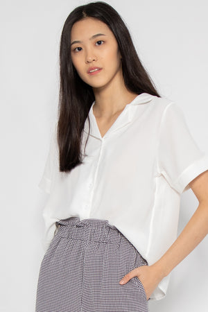 Rylee Short Sleeve Button Blouse in White - Three One Duo