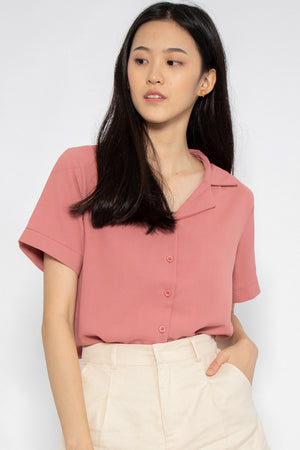 Rylee Short Sleeve Button Blouse in Rose