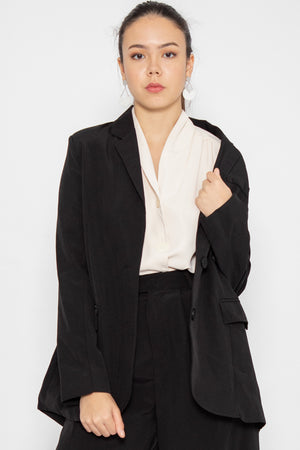 Parker Oversized Blazer in Black - Three One Duo