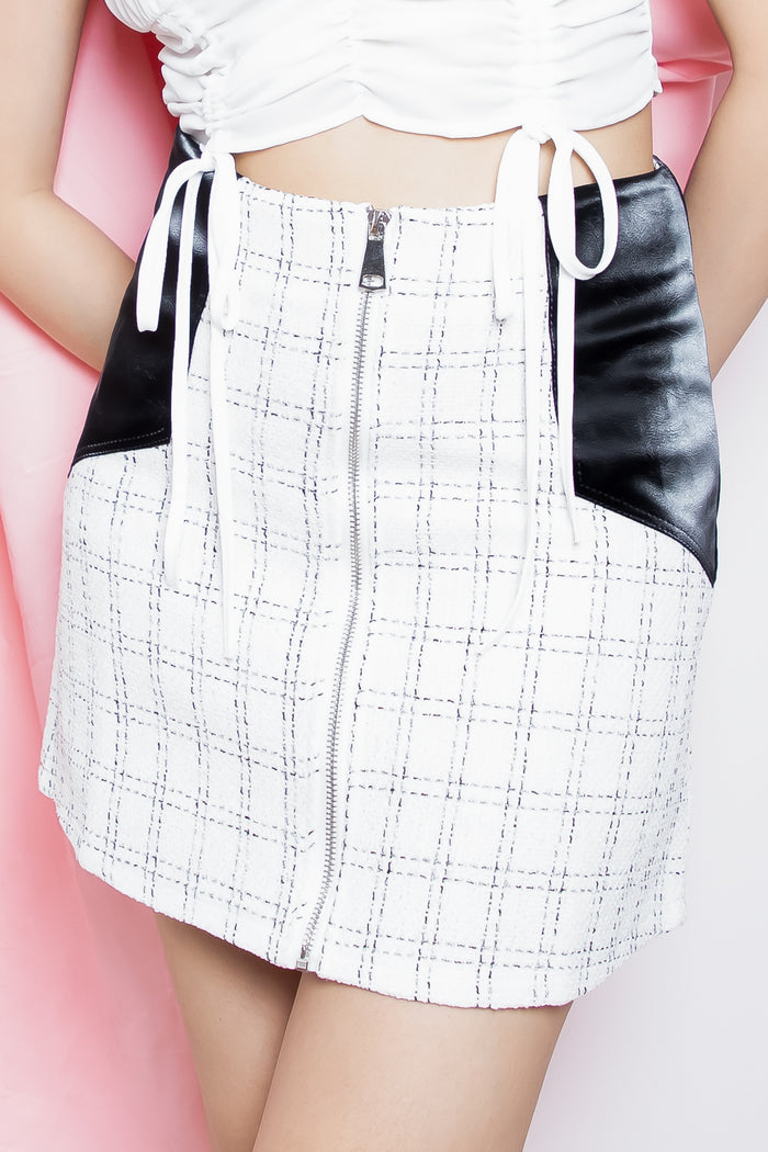 Dione Tweed Velvet Pocket Skorts in White