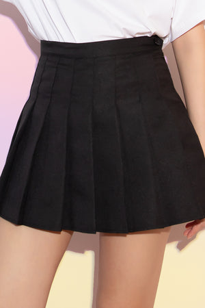 Tricia Pleated Tennis Skorts in Black