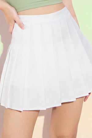 Tricia Pleated Tennis Skorts in White