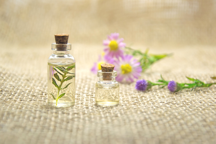 "What's The Difference Between ""Organic"" And ""Nonorganic"" Essential Oils?"
