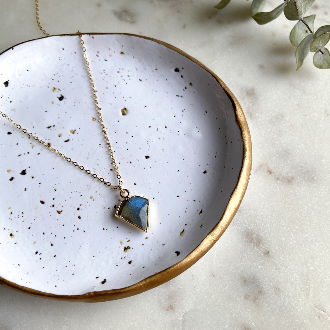 Labradorite I Crest Necklace