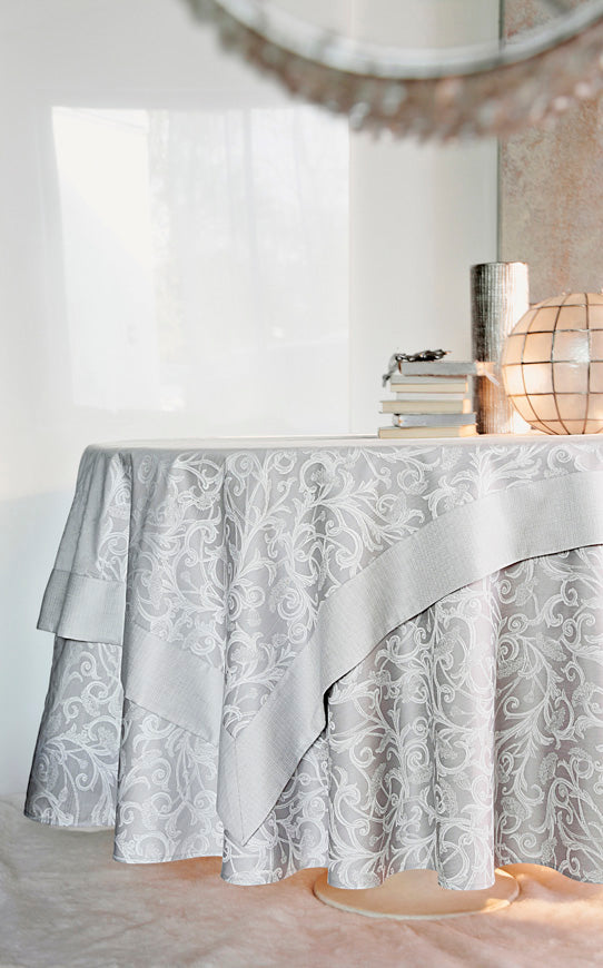 Ombelle Perle Table Runner