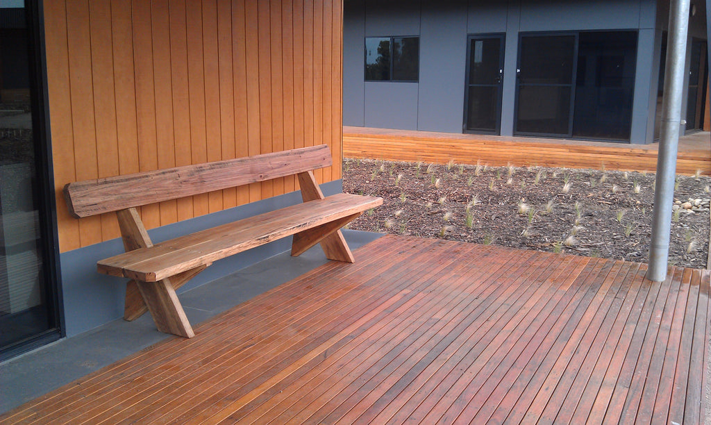 Outdoor Comfort Bench Seat