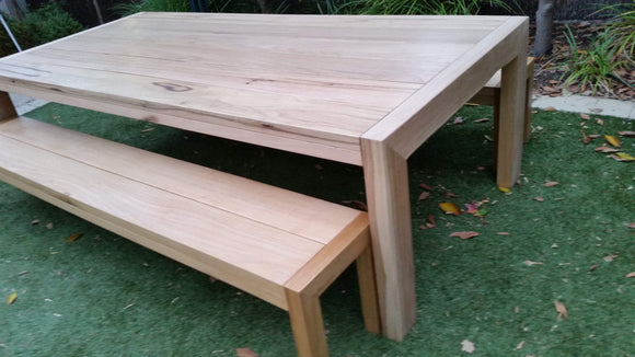 Alfresco Table
