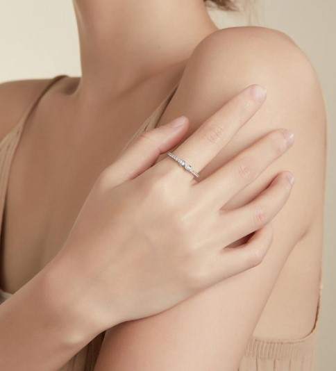 Minimalist Jewelry Trend Collection