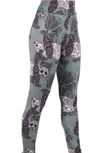 Load image into Gallery viewer, Paisley Panda Designer Legging