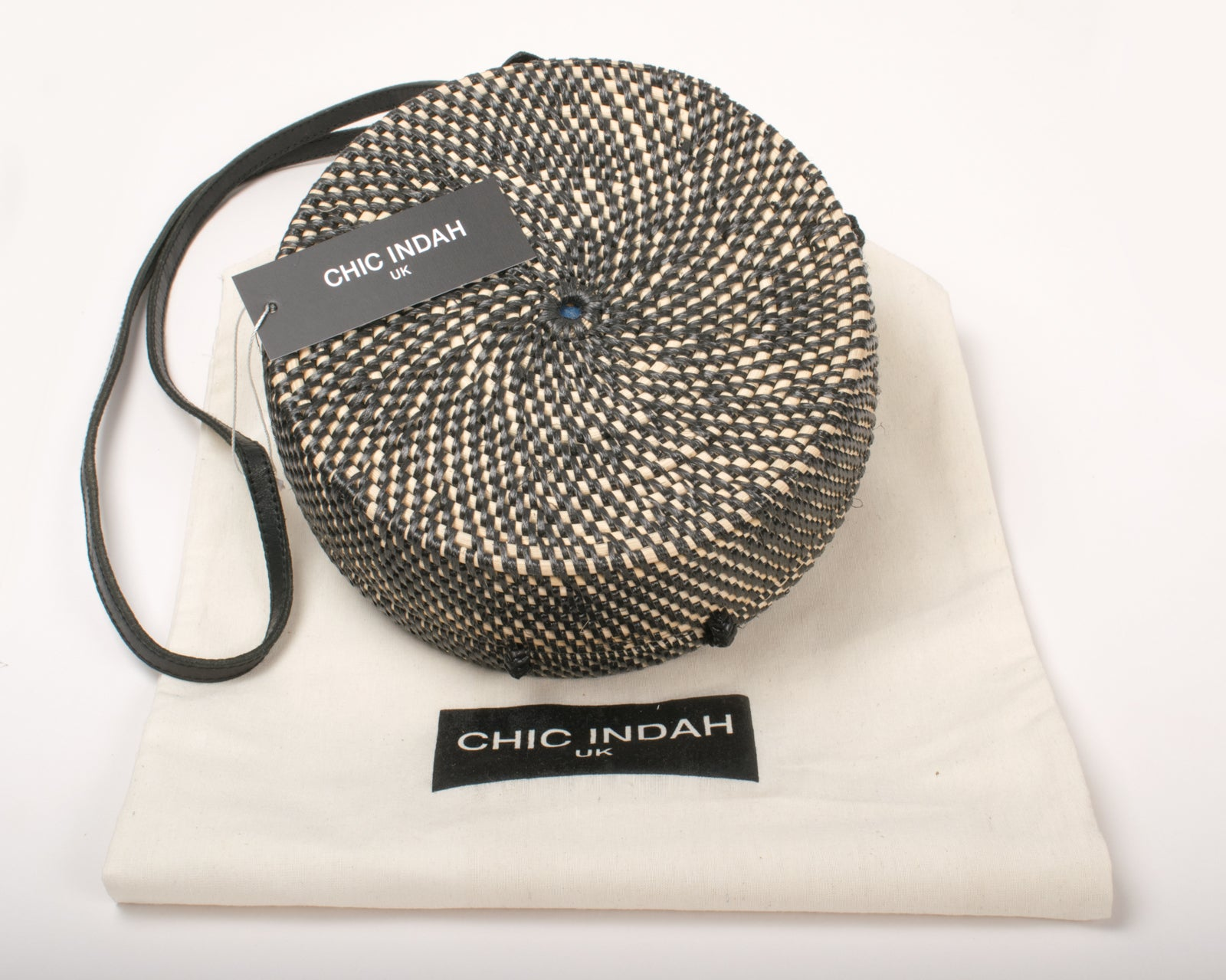 Chic Indah - Round Rattan Bag - Fashion Summer bag - Fashion bag