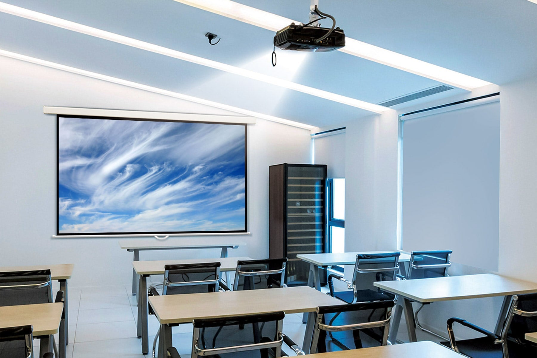Classroom with Nimbus manual pull down projector screen