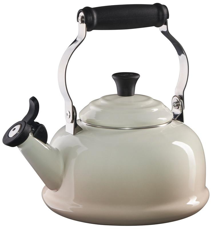 Le Creuset 1.7 Quart Whistling Tea Kettle - Meringue