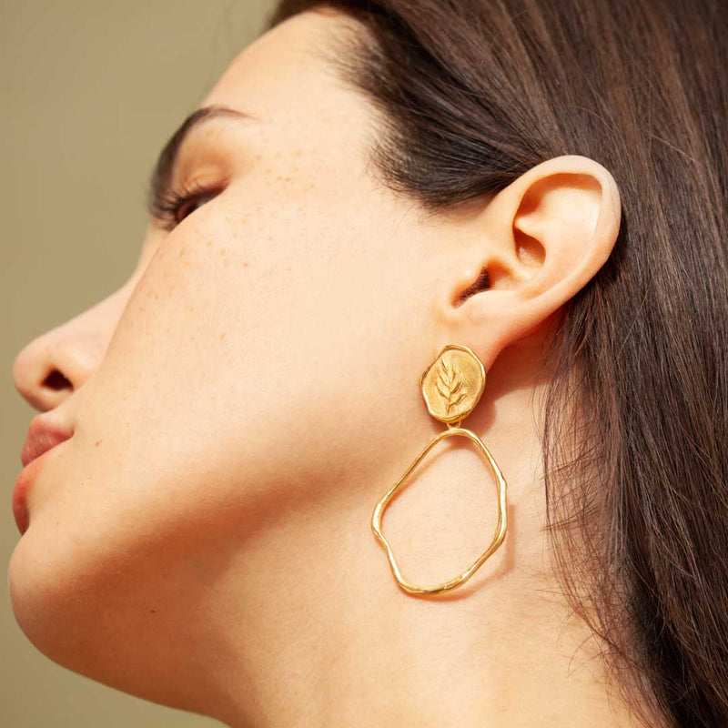PORTLLIGAT GOLD STUD WITH LARGE HOOP