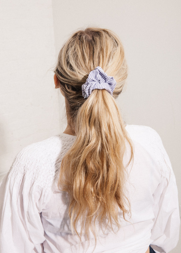 Scrunchie in Plume Stripe