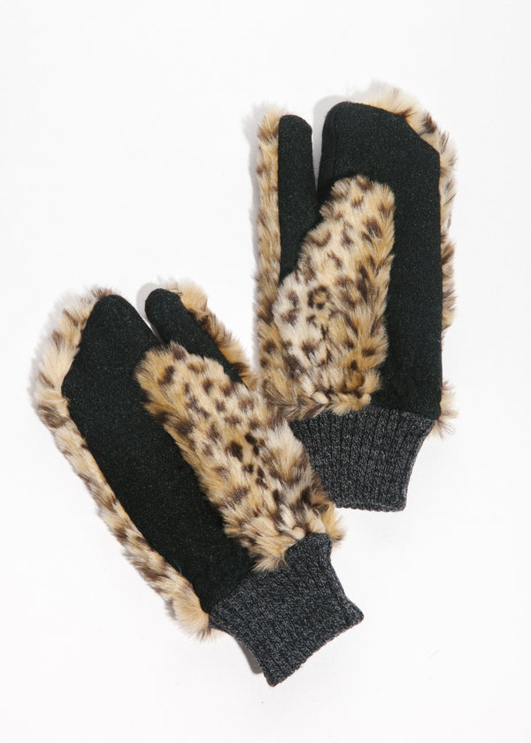 Bear Touchscreen Mittens in Leopard