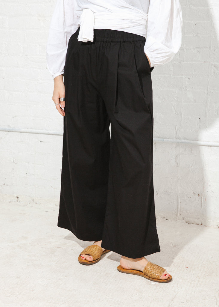 Studio Pant in Black