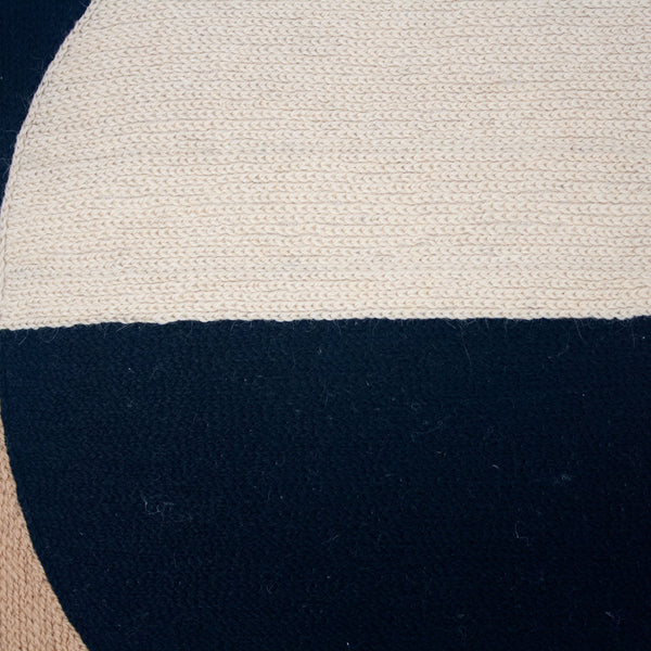 MARIANNE CIRCLE PILLOW - BLACK