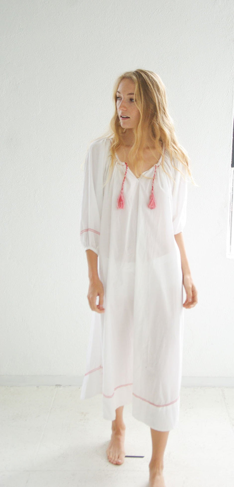 Peasant Gown / White with Crimson Trim