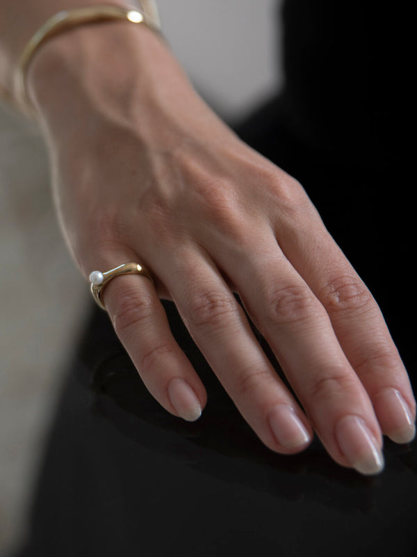 Ona Small Ring with Pearl – Brass