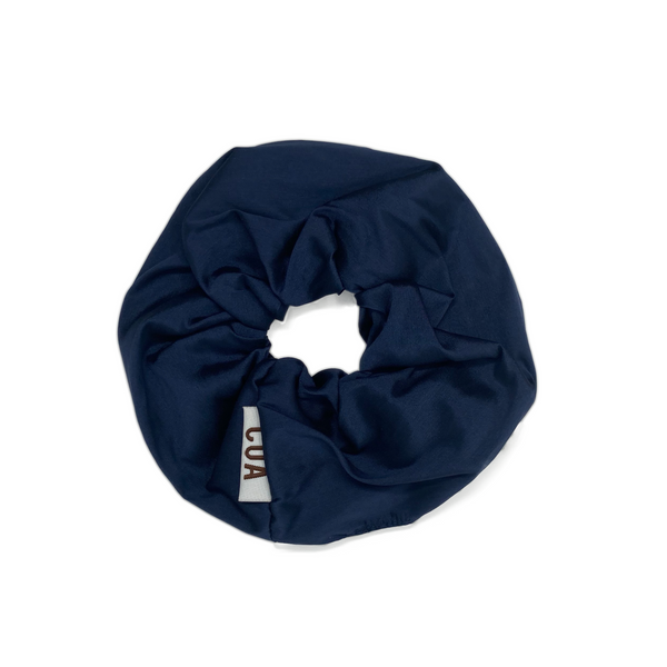 NAVY OVERSIZED SCRUNCHIE