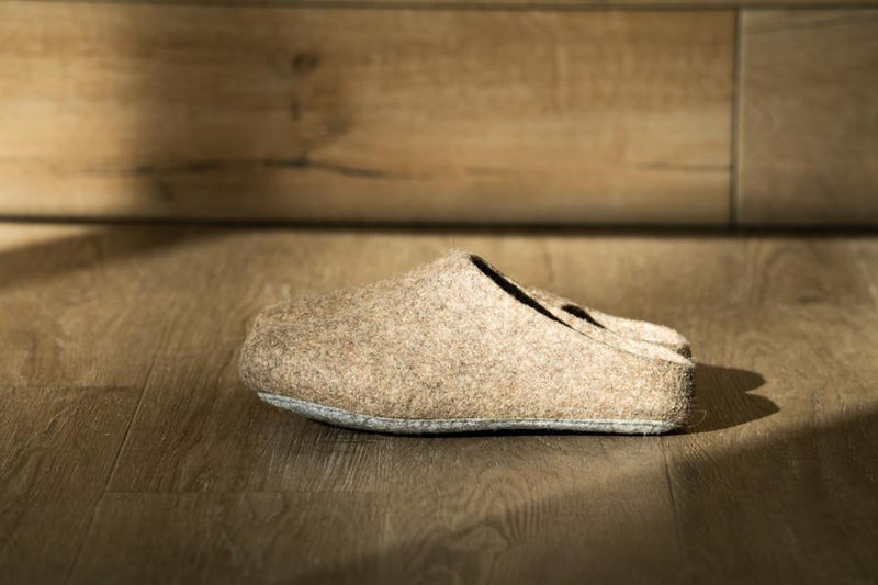 Classic Wool Slippers Low-Back, Oatmeal, Mens