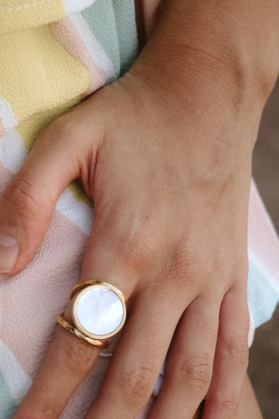 ellie vail: leah shell ring - gold
